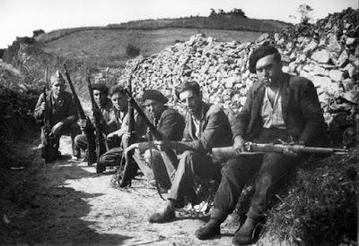 Resultado de imagen de JOSEP PLA, Tres periodistas en la revolución de Asturias