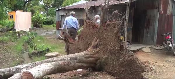 Ventarrón destruye viviendas en municipio de Arenoso