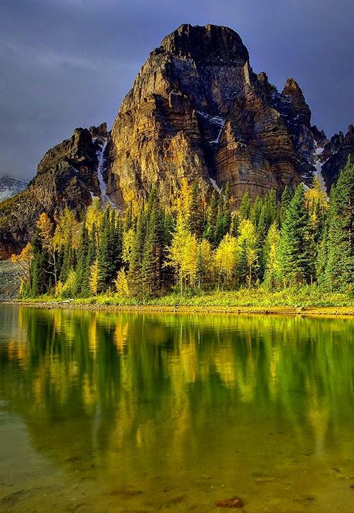 Mount Assiniboine,Canada