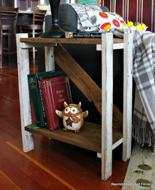 rustic, side table, end table, barnwood, farmhouse, DIY, https://goo.gl/HQ8AGd