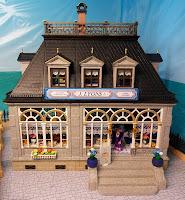 http://emma-j1066.blogspot.com/2012/04/lyons-tearooms.html