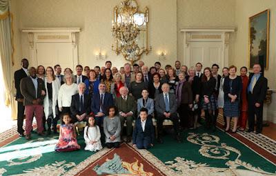 Президент Ирландии, Майкл Д. Хиггенс, с представителями общины бахаи.