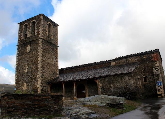 Iglesia de los pueblos de Arquitectura Negra