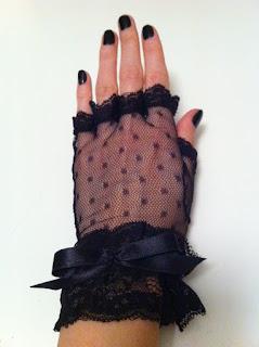 siyah puantiyeli tül eldiven