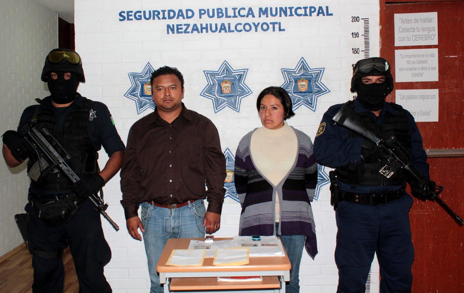 Municipales de Neza detienen a pareja de policías estatales por extorsión ec4b14fb511