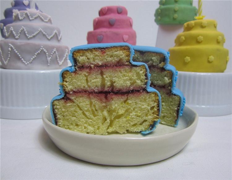 Mini-Vanilletörtchen mit Marmelade 3