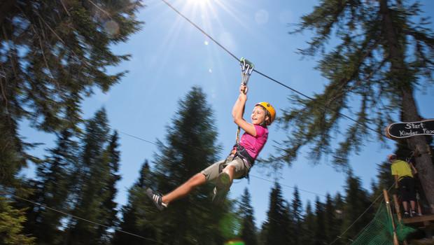 Flying Fox Aman untuk Anak-anak di Tempat Outbound