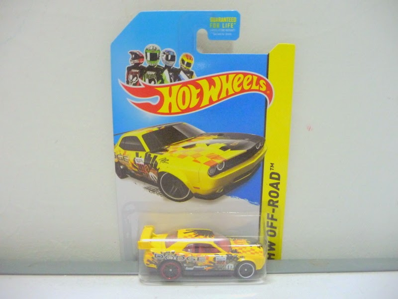 Jual Hot Wheels - BATMOBILE hitam strip kuning mengkilap ...