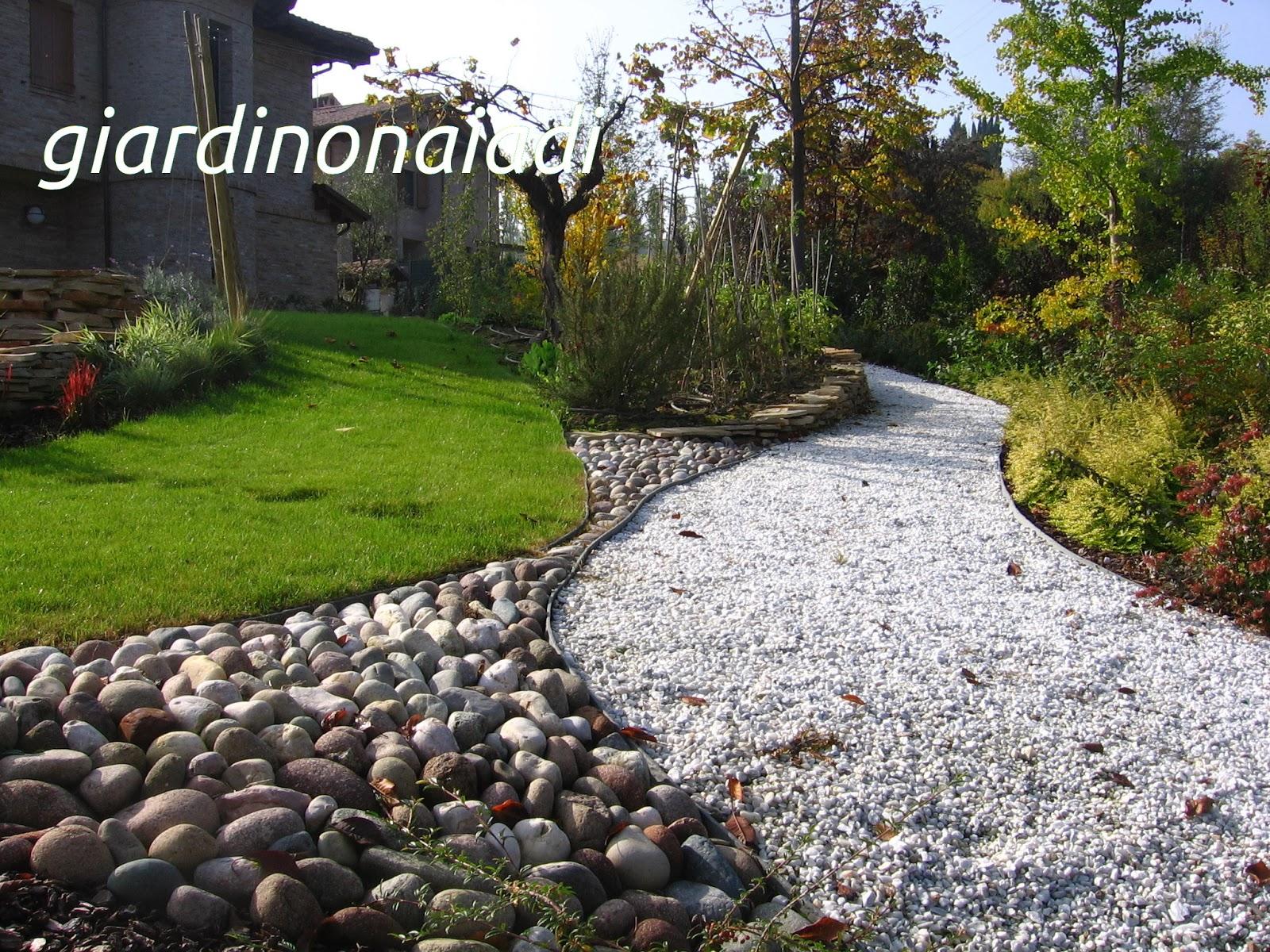 Il giardino delle naiadi due passi in giardino seconda parte for Sassi per fioriere