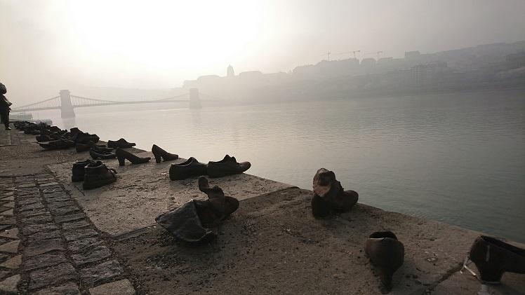 https://2.bp.blogspot.com/-phut3p17H_c/WG-LPhcLrtI/AAAAAAAAMQA/eT2O-Wtg8DoyM1JkcajAoPFx_nPcDEXuACLcB/s1600/zapatos2.jpg