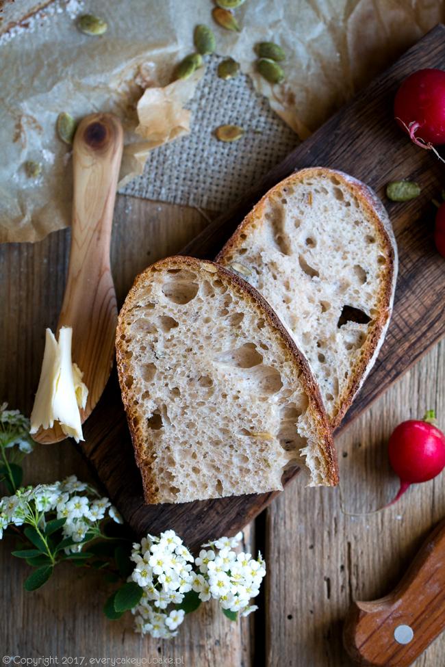 chleb z Vermont pszenny na zakwasie z pestkami dyni