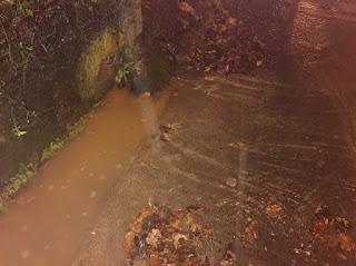 Desprendimiento por atasco de una tubería de pluviales