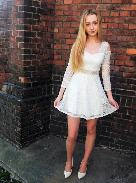 ♡ OOTD: biała koronkowa sukienka ♡