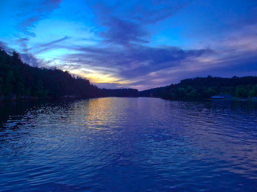 Dells Ghost Boat Tour  -  Wisconsin Dells twilight Adventure