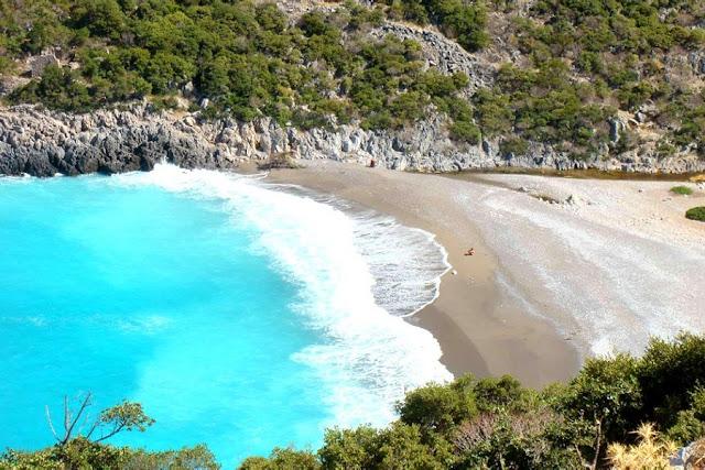 10 κορυφαίες παραλίες στη Πελοπόννησο για εξωτικές στιγμές