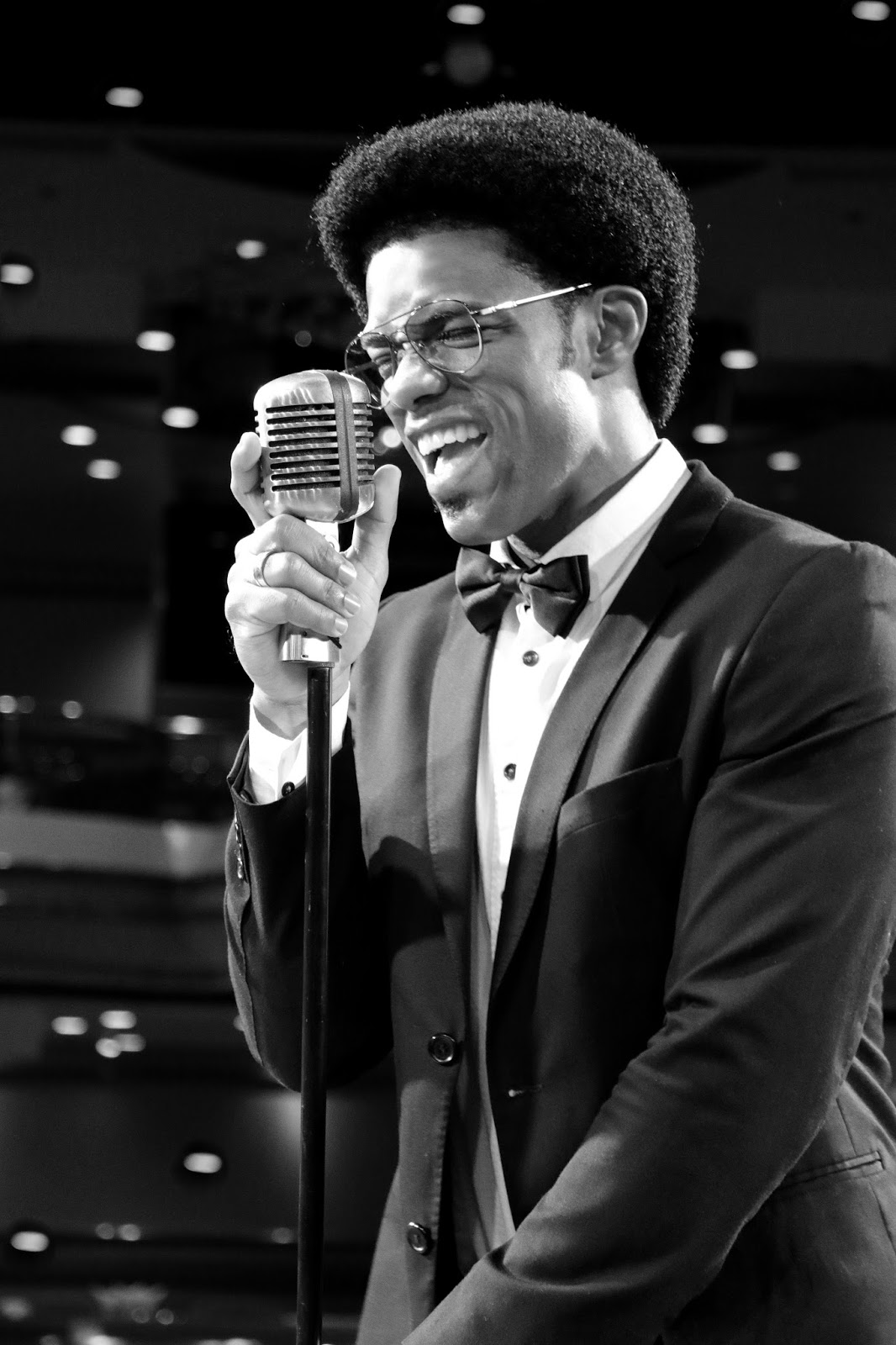 Eduardo Louzada traz repertório com MPB, Pop Rock e Reggae para Bangu