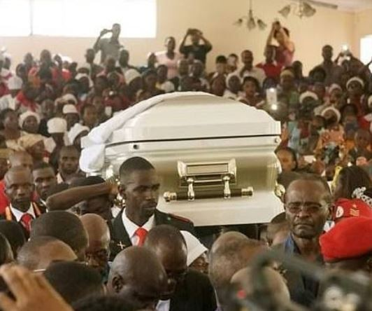Zimbabwe holds funeral for seven victims of election violence