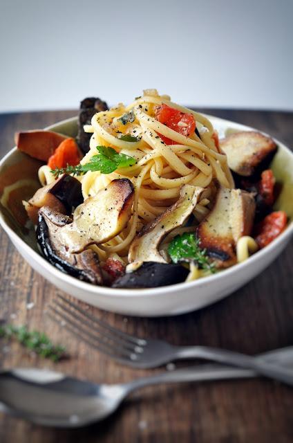 Pasta mit Steinpilzen und Auberginen-Sugo