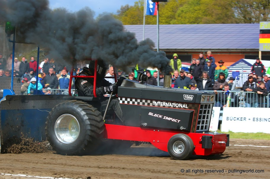 Tractor Pulling News Pullingworldcom The New Black Impact