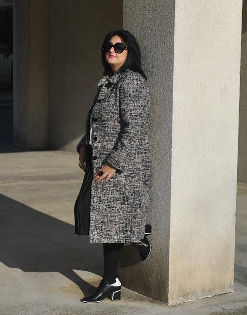 Look abrigo tipo Chanel