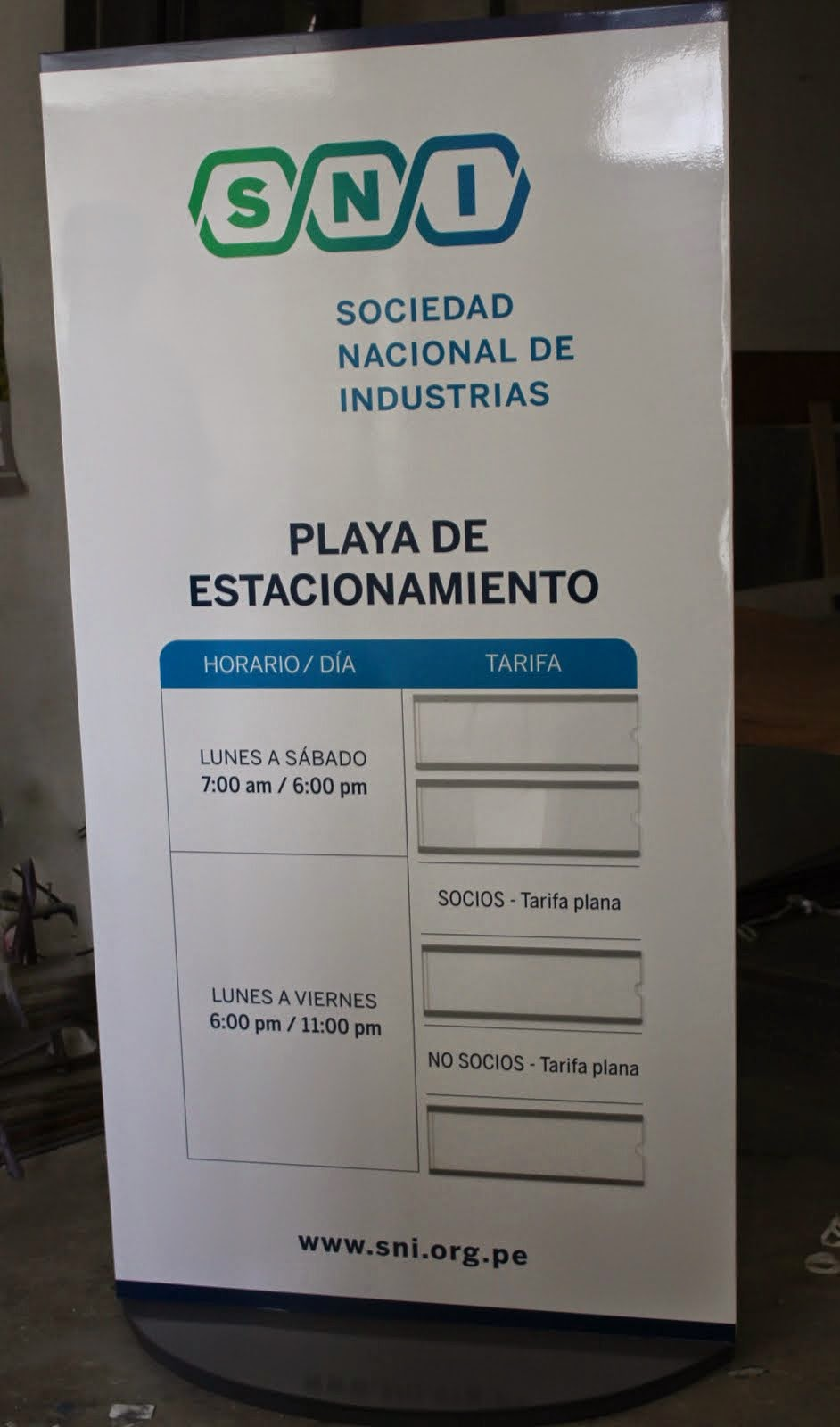 Vka Publicidad S A C Totem Publicitarios Lima
