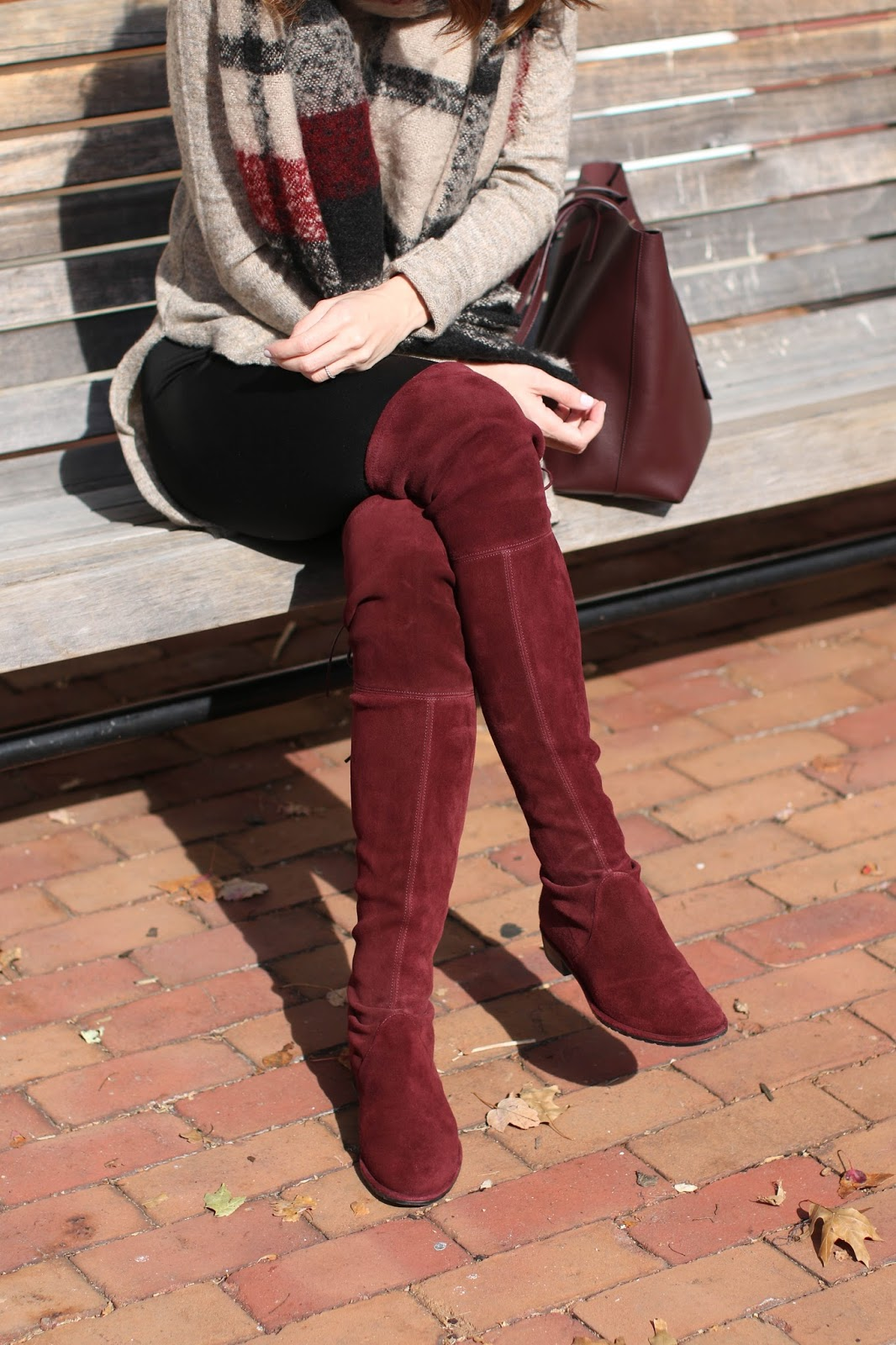 Lowland boots in Currant