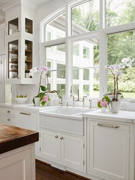 Cottage Flavor: White Cottage Kitchens