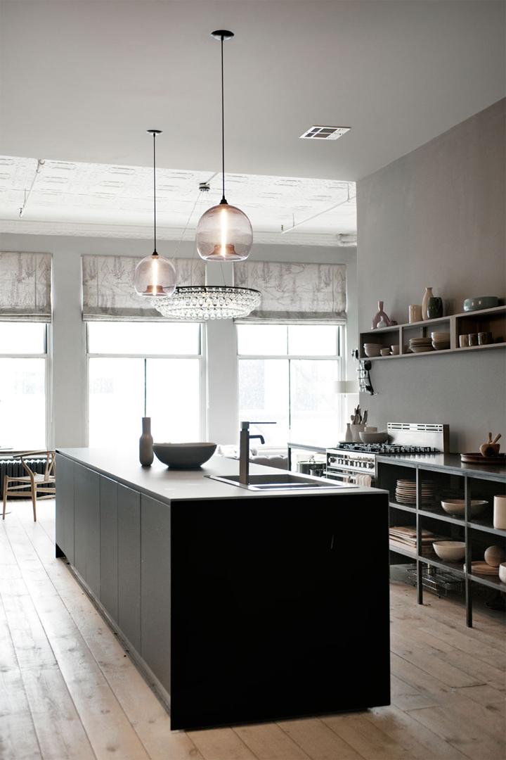 interior design loft in new york cool chic style fashion. Black Bedroom Furniture Sets. Home Design Ideas
