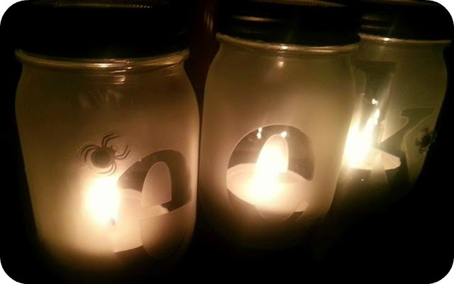eek light up mason jars Halloween craft
