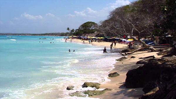 Playa-Blanca-Colombia