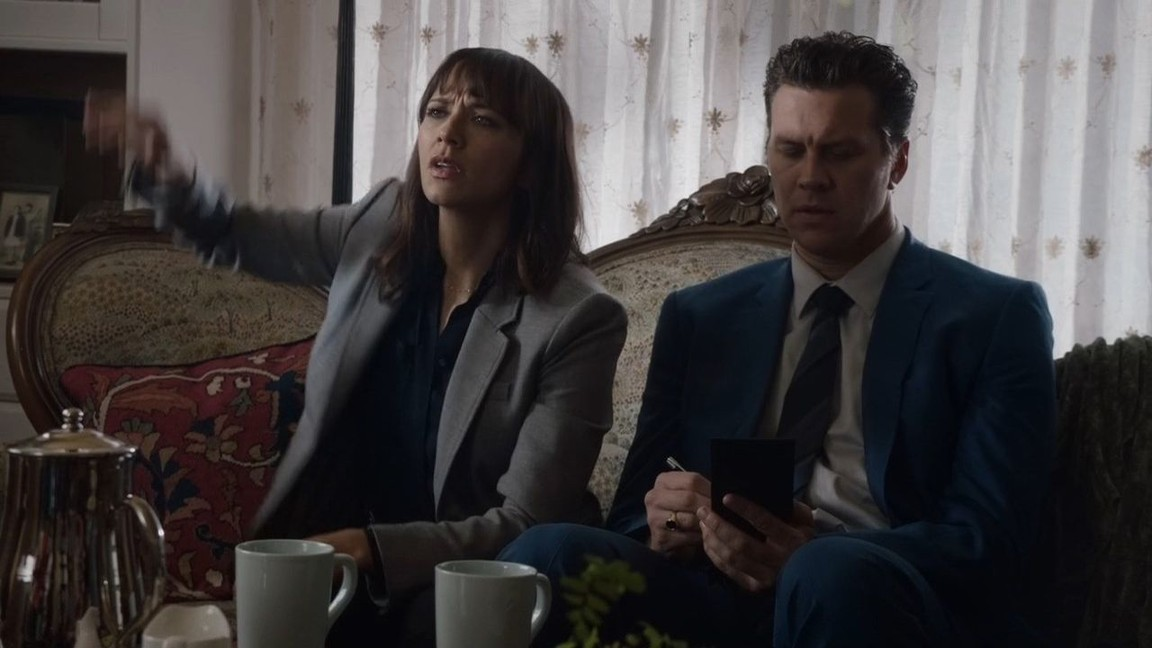 Angie Tribeca - Season 2 Episode 1: Fleas Don't Kill Me