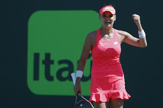 Radwanska surprises number one Halep