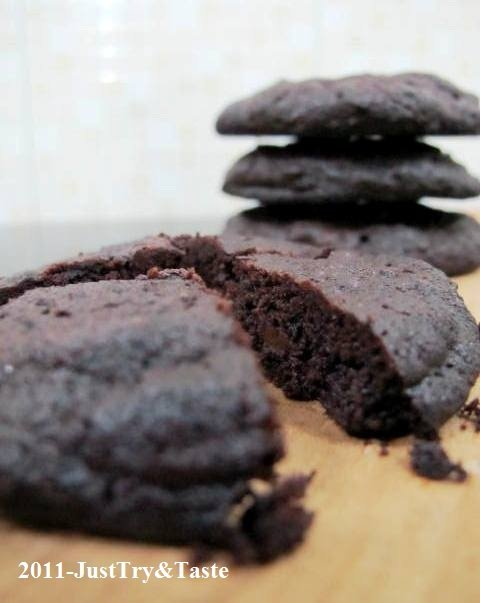 Resep Nigella Lawson's Intense Chocolate Cookies