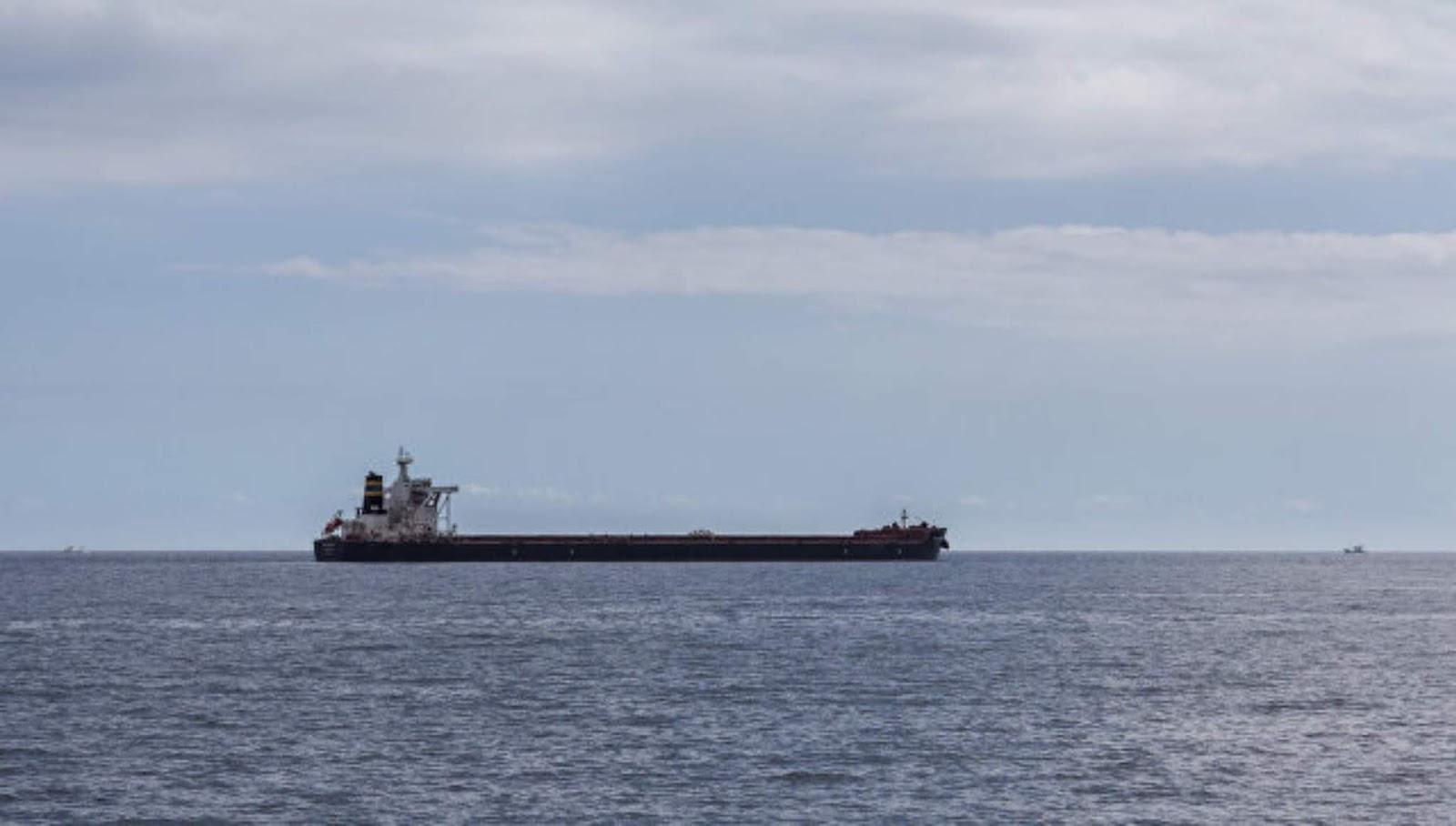 Koalisi Arab melaporkan penembakan kapal tanker Saudi oleh Houthi