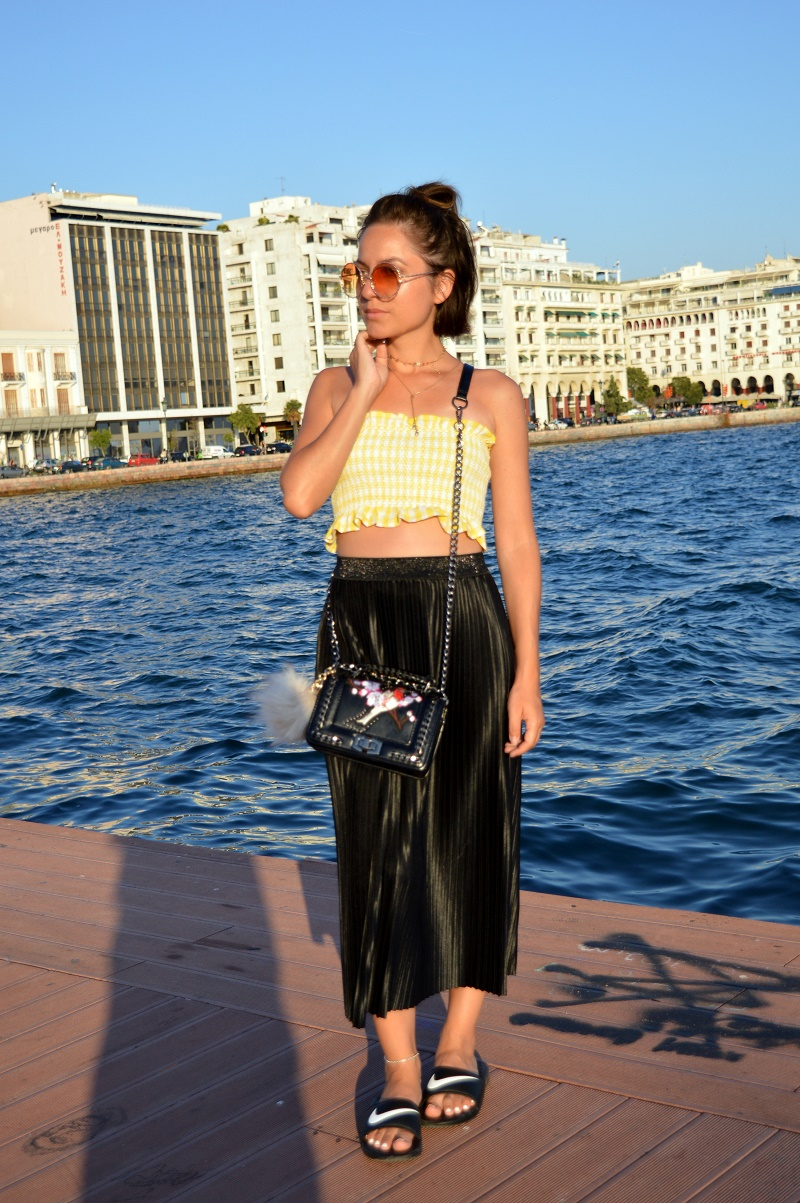 outfit thessaloniki greece nike slides