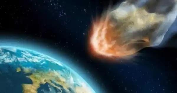 Φλεγόμενη μπάλα πέφτει από τον ουρανό και αναστατώνει τους κατοίκους της Αγγλίας (βίντεο)
