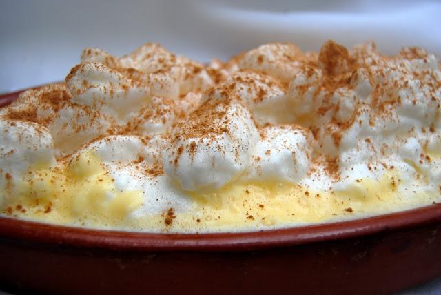Huevos Nevados Natillas con claras montadas