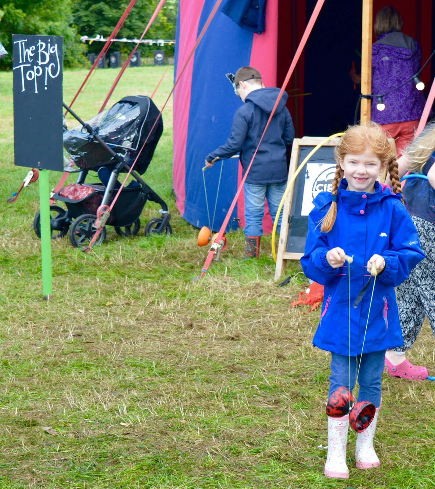 33 Reasons we LOVED the Just So Festival 2016 - circus skills