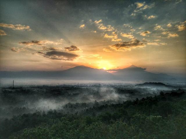 Tempat yang pas untuk view sunrise Yogyakarta & Jateng
