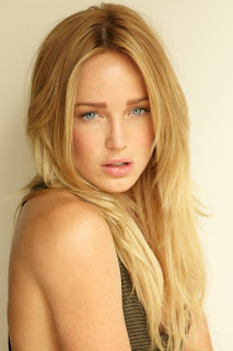 Caity Lotz photo