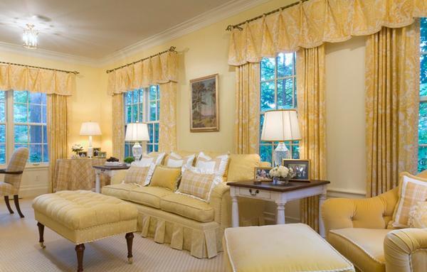 banyak yang menyampaikan ada keterkaitan antara warna kuning dengan matahari di isu terkini kemar Desain Ruang Tamu dengan Aksen Warna Kuning