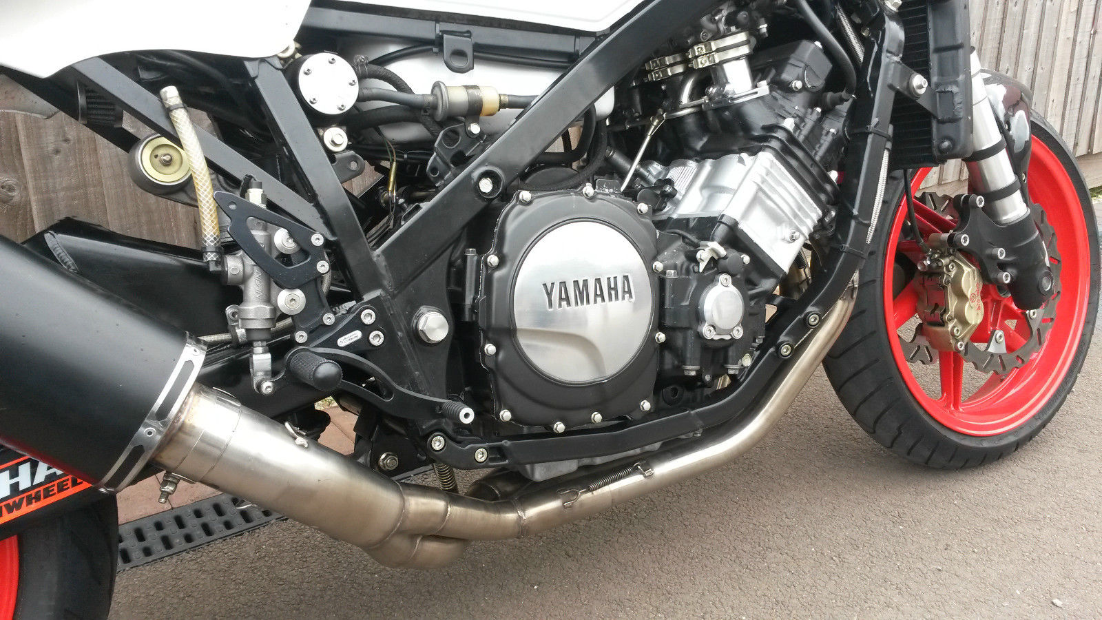 yamaha fz 750 2mg rocketgarage cafe racer magazine to sum up this bike is no trailer queen its a well thought out and engineering track and road bike suitable for track days and as a sunday toy to enjoy
