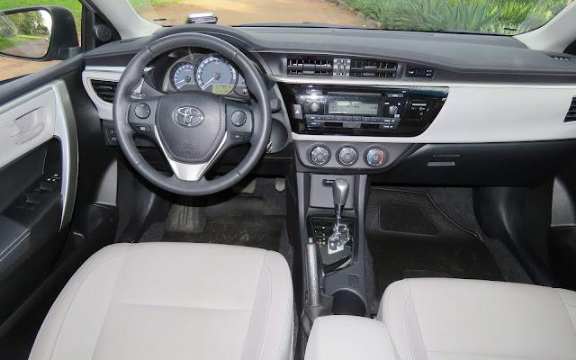 Toyota Corolla GLi 2017 - painel
