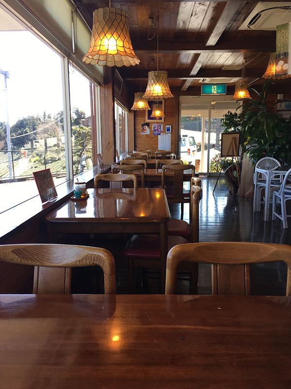 静岡県島田市にある静岡屈指の絶景が楽しめるレストラン『カンサー』の内装