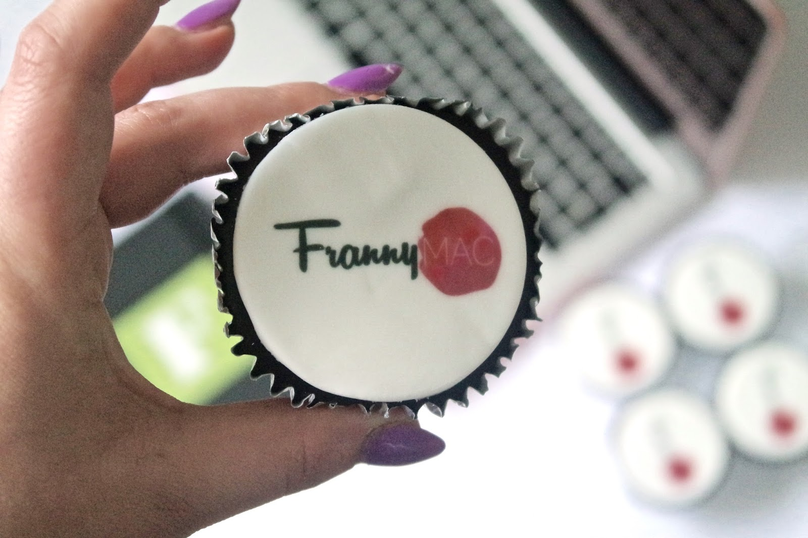 Personalised Cupcakes By EatYourPhoto.co.uk