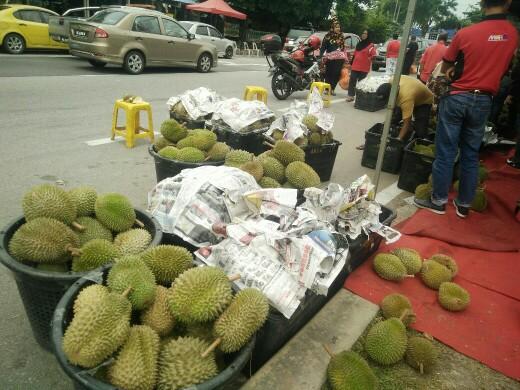 Pesta Durian Murah & Sedap di Taman Medan, PJ