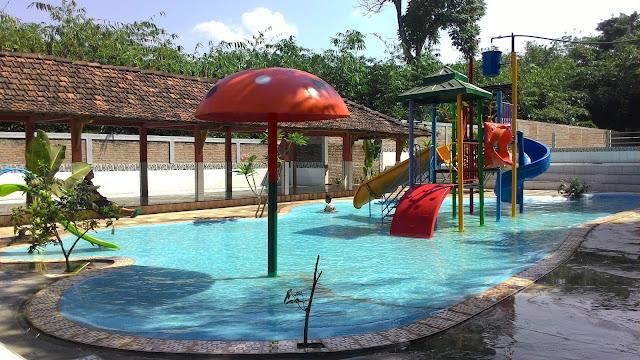Hasil gambar untuk kolam renang shinta pool pecangaan