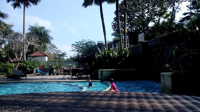 kolam renang hotel aston bogor