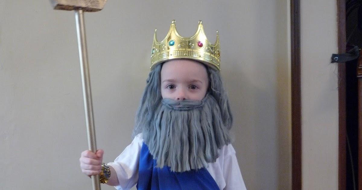 Full Time Frugal : DIY costume - $10 Poseidon!
