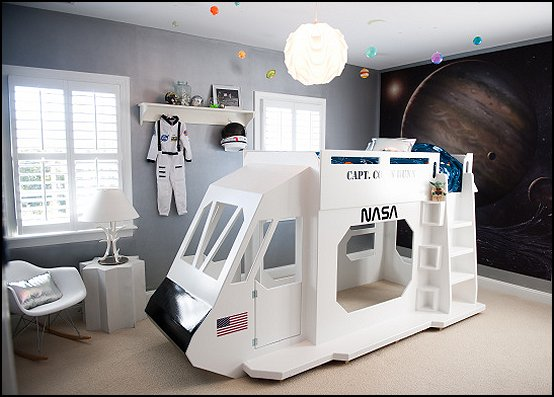 Space Shuttle themed bed outer space theme Decorating Space Shuttle bedroom decor  Space Shuttle Bunk Bed outer space playroom decorating  outer-space-bedroom-decor-shuttle-bunk-bed-with-launch-tower-wall-murals-room-decorating-ideas-bedroom